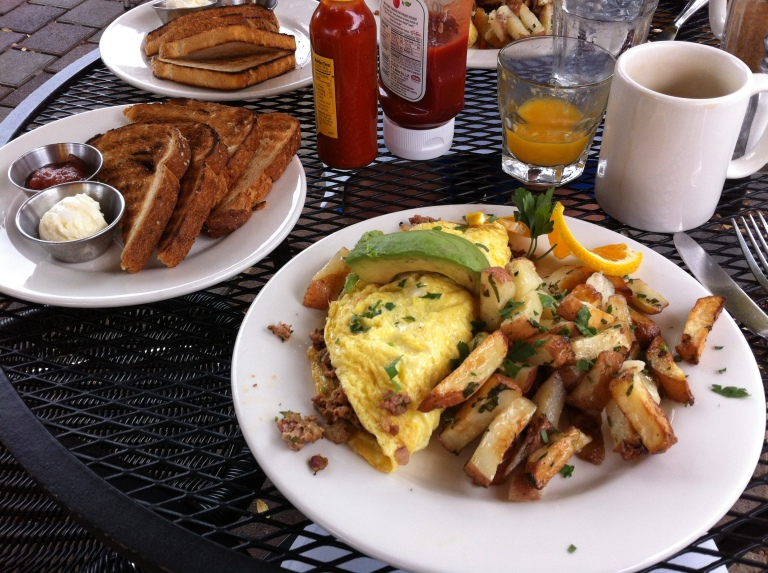 Claire's on Cedros brunch