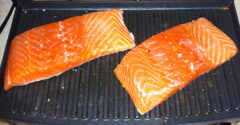 Salmon fillets fit on the grill plate perfectly!